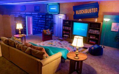 El último Blockbuster se alquila en Airbnb para disfrutar de una noche de cine como en los 90`s