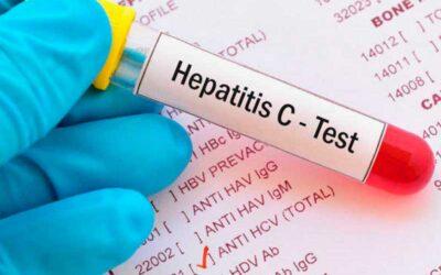 Por qué descubrir el virus de la Hepatitis C es digno de un Nobel de Medicina