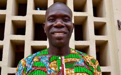 Tours guiados por Benín a cambio de diccionarios
