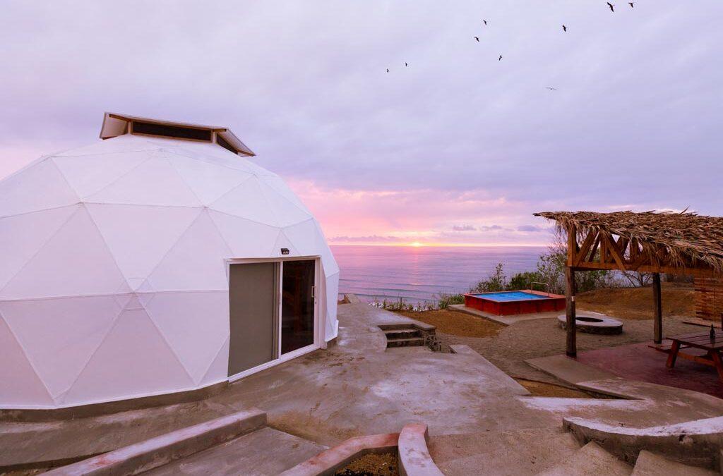 Emprendedor logra construir una casa sostenible en un paraíso tropical