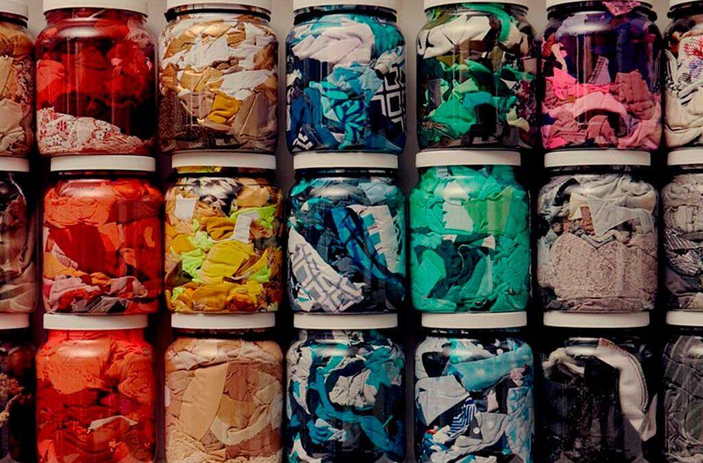 Diseño y moda sostenible: upcycling o economía circular para una reutilización creativa