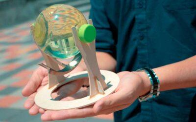 Estudiantes ecuatorianos diseñan un dispositivo para mejorar la eficiencia de los paneles solares