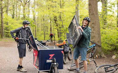 Excursionistas y ciclistas que limpian las zonas verdes de Reino Unido