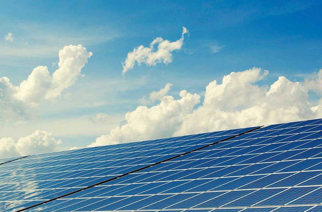 Reino Unido quiere que toda su electricidad sea generada de fuentes renovables para 2035